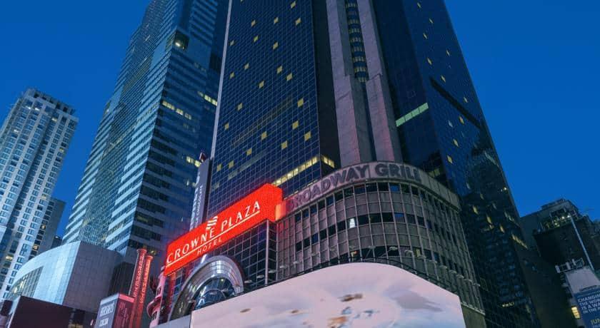 4- فندق كراون بلازا تايم سكوير نيويورك
