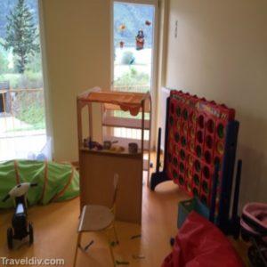 جانب من معمل الاطفال لتعليم الاعمال اليدوية