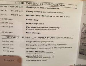 نشرة البرنامج اليومي في فندق الاطفال