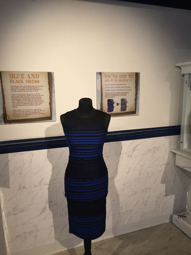 الفستان الازرق