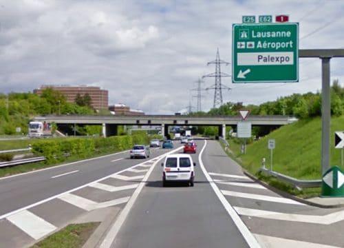 الطريق الى مطار جنيف