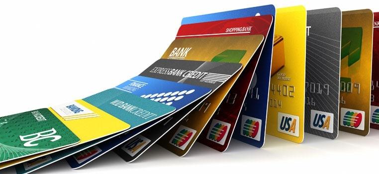 بطاقات ائتمانية