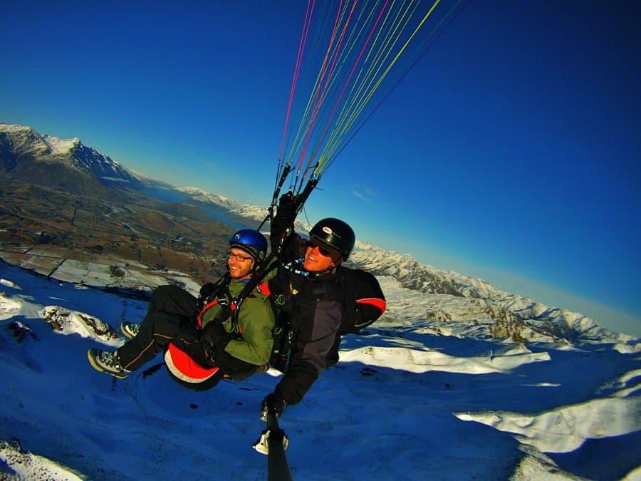 التحليق بالطيران الشراعي Paragliding