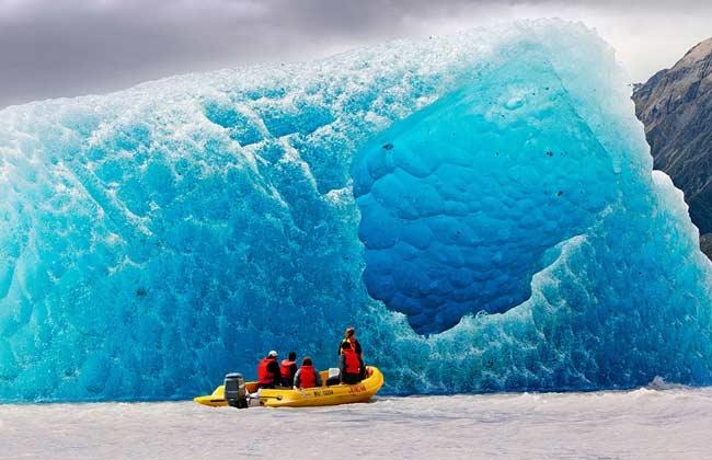 Tasman Glacier نهر تاسمان الجليدي