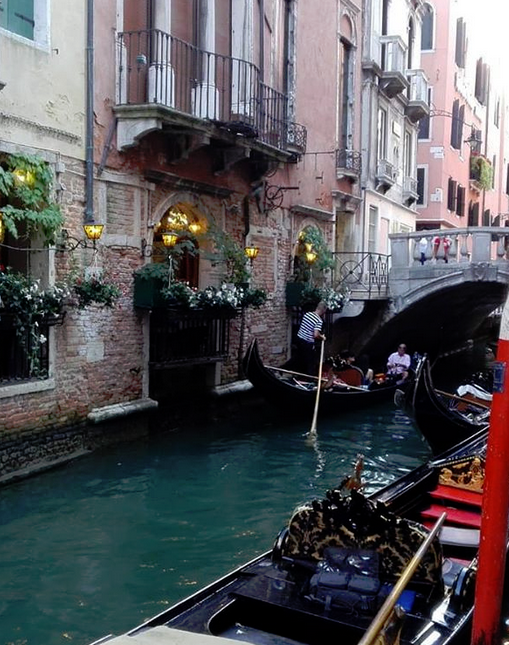 فينيسيا اهم الاماكن السياحية و مناطق السكن و افضل الفنادق التي ينصح بها