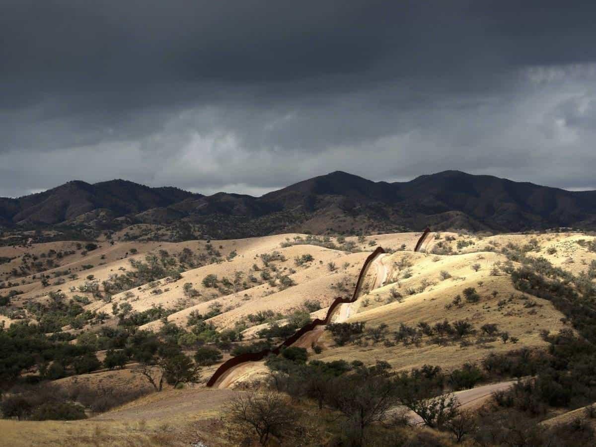 الحدود بين امريكا و المكسيك