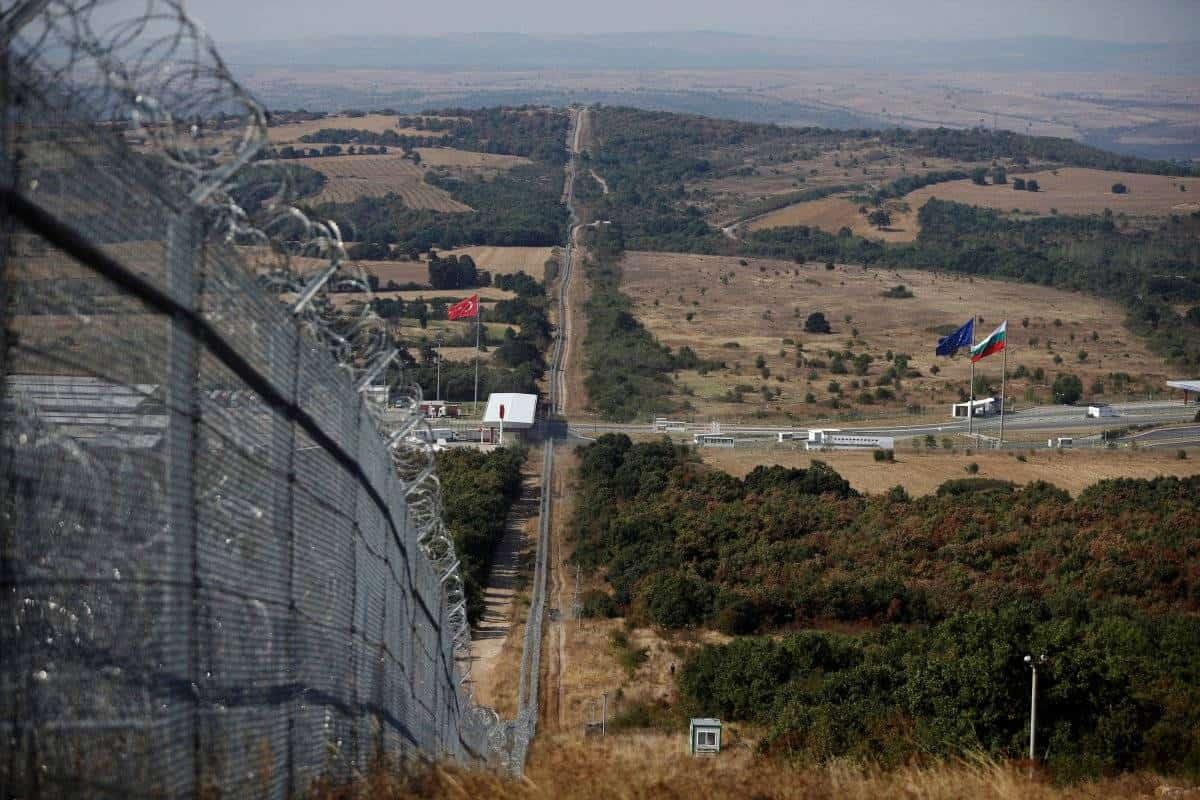 الحدود بين تركيا و بلغاريا