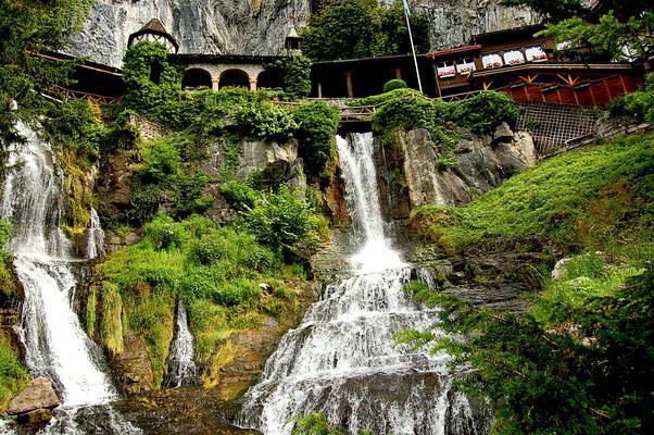 1494787790-3688-interlaken20pic202 السياحة في انترلاكن و ماحولها , اماكن سياحية بالاحداثيات و الاسعار و المواعيد