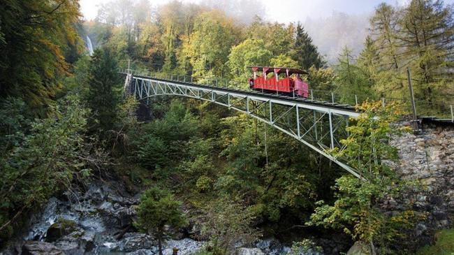 1494787794-3262-reichenbachfallbahn-1 السياحة في انترلاكن و ماحولها , اماكن سياحية بالاحداثيات و الاسعار و المواعيد