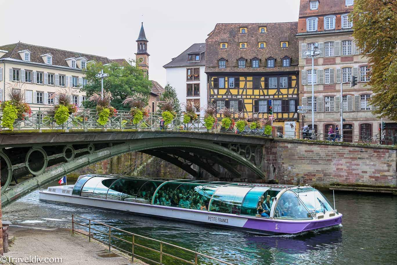رحلات القوارب النهرية