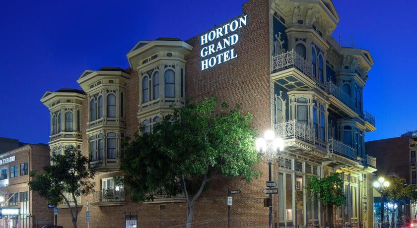 واجهة فندق هورتون غراند