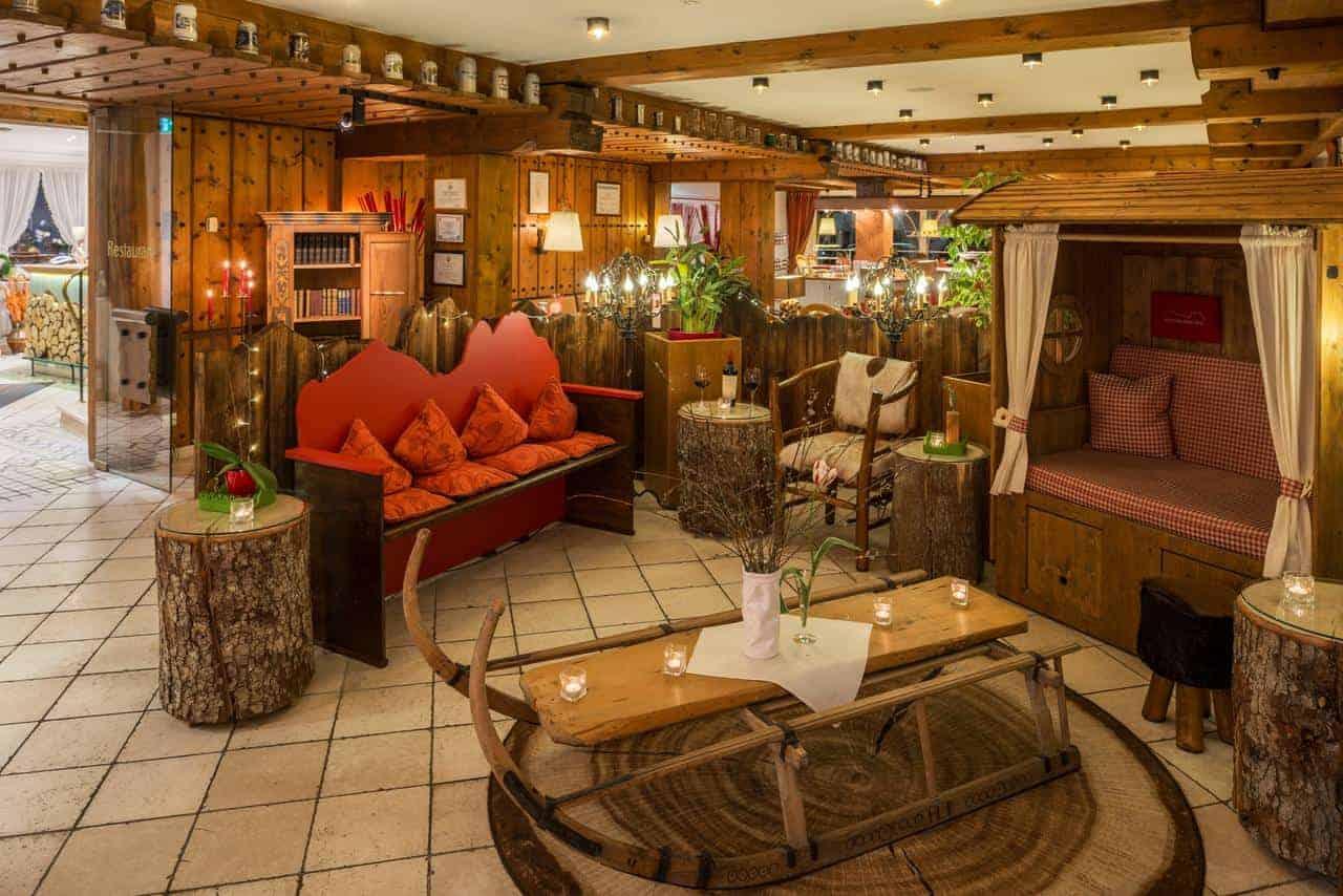غرفة جلوس في فندق راينيشر هوف