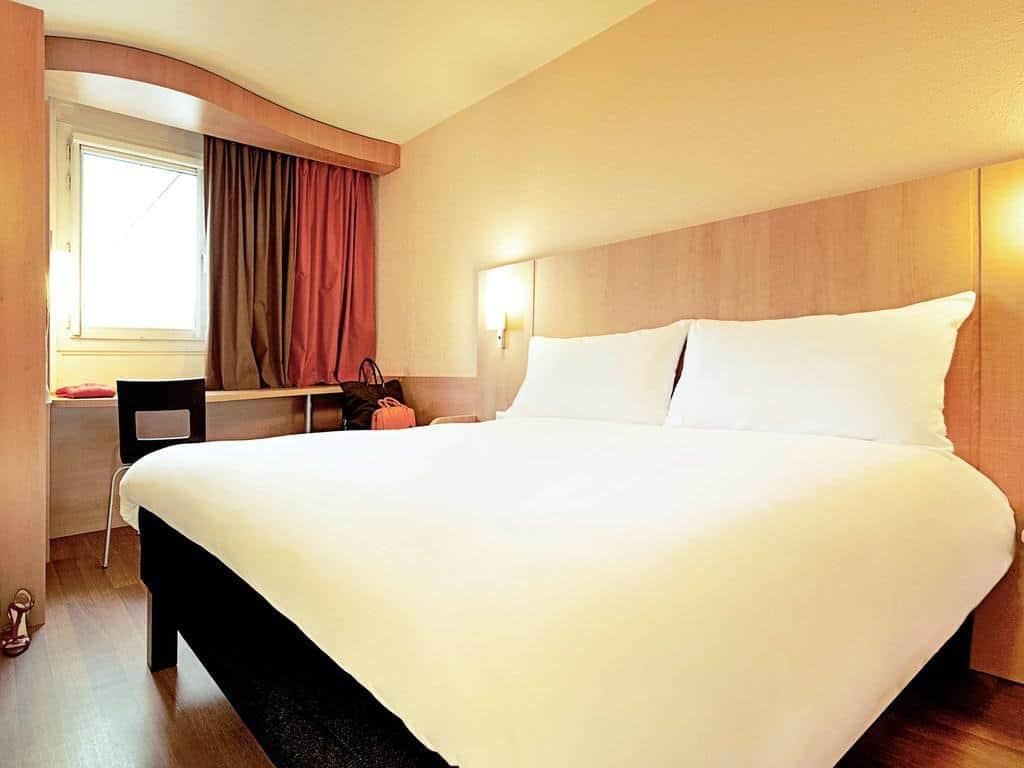 غرفة نوم في إيبيس آنسي سنتر فيي فيل