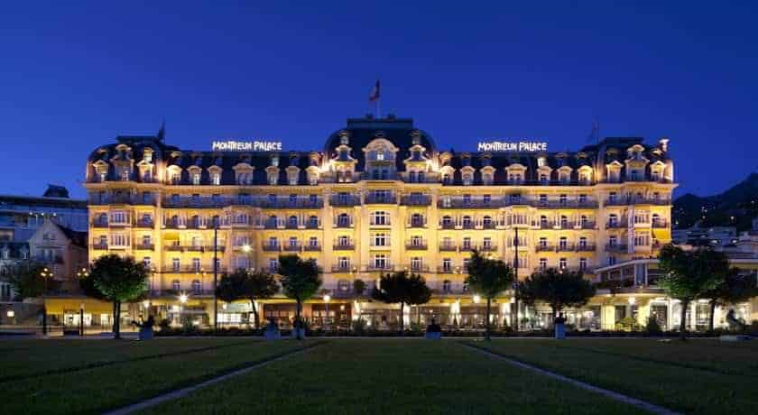 واجهة فندق فيرمونت مونترو