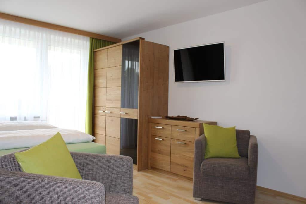 غرفة نوم في شقة إليسا