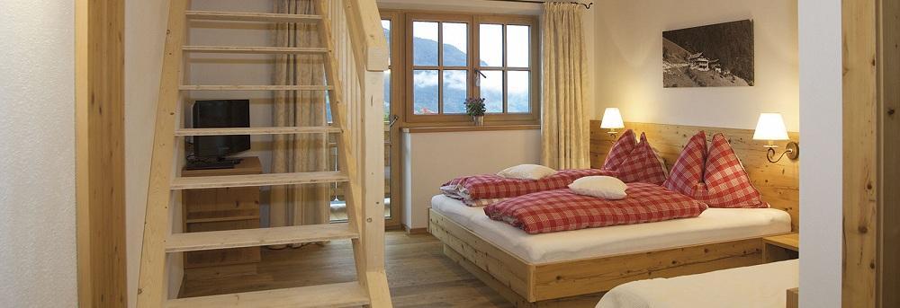 غرفة نوم في شقق جاوزن ستاسيون فيفرباور