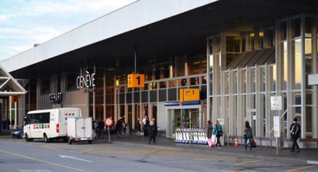 مدخل المغادرون في مطار جنيف