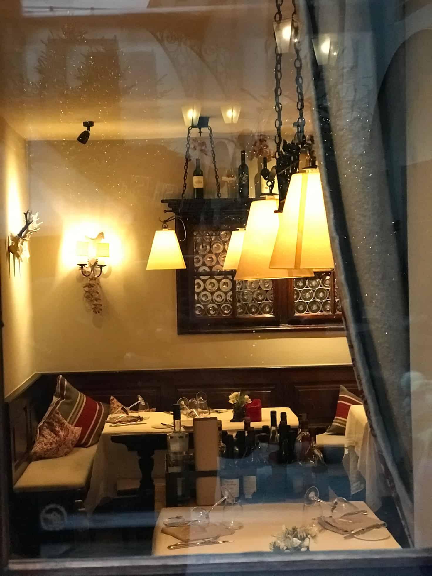اقدم مطعم في التاريخ