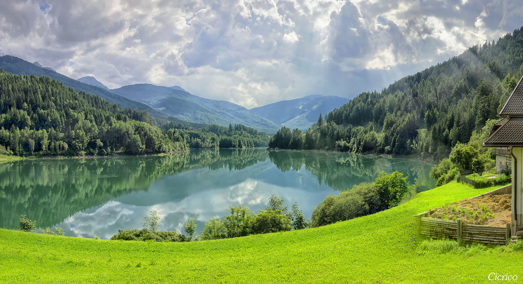 بحيرة فلدورا Lago di Valdora