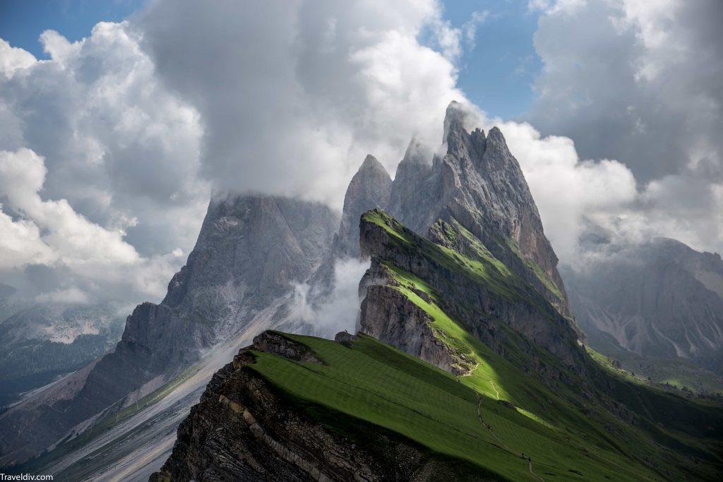 جدول سياحي مختصر لزيارة الشمال الايطالي لمدة 5 ايام  .