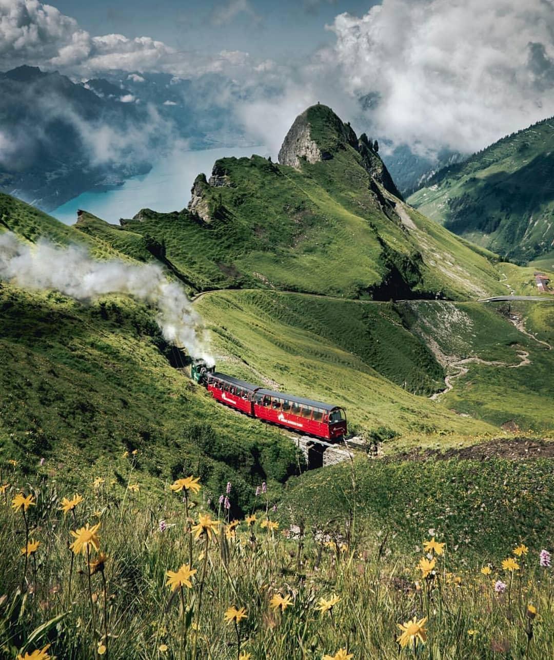 قطار روثورن البخاري