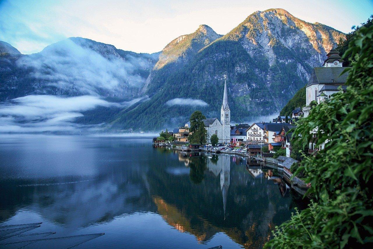 تعرف على أجمل البحيرات الطبيعية في أوروبا، و أفضل الأنشطة الترفيهية -  ترافيل ديف - TravelDiv